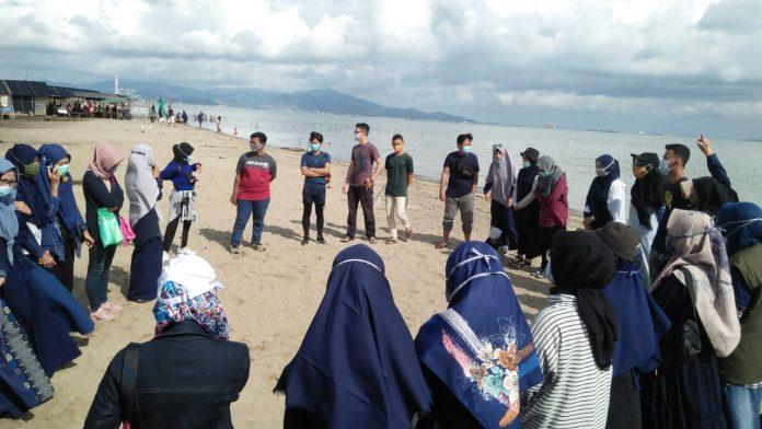 Peringati Hari Sumpah Pemuda, TBM Jawara Ajak Komunitas Bersih-Bersih Pantai